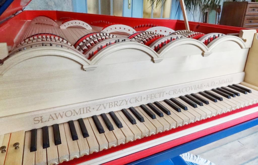 viola-organista-leonardo-da-vinci