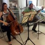 Músicos por la Salud inicia en el Dr. Peset su proyecto de microconciertos en los hospitales públicos de la Comunidad Valenciana