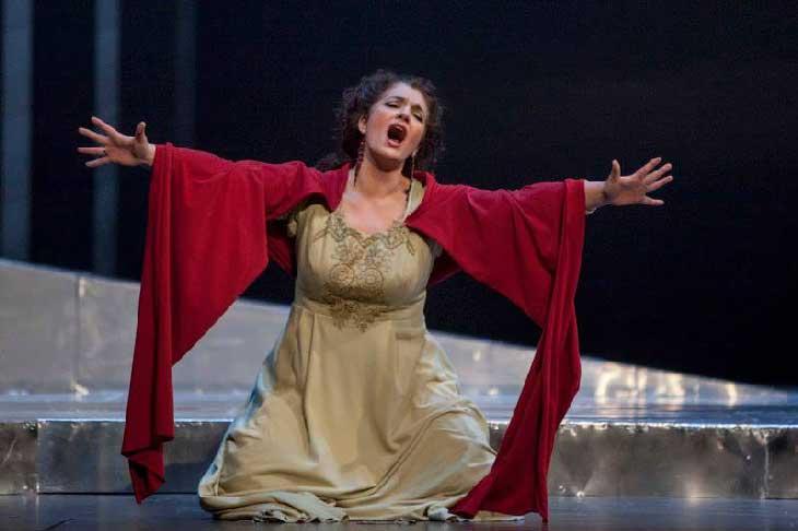 Por Qué Oímos A Un Cantante De ópera Más Fuerte Que A Una Orquesta Social Musik